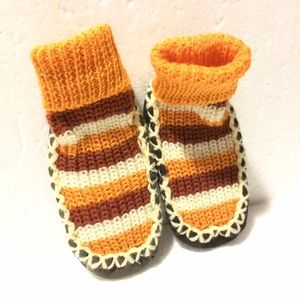 """Other - NWOT Knit Baby Moccasin / Slipper (5.5"""")"""